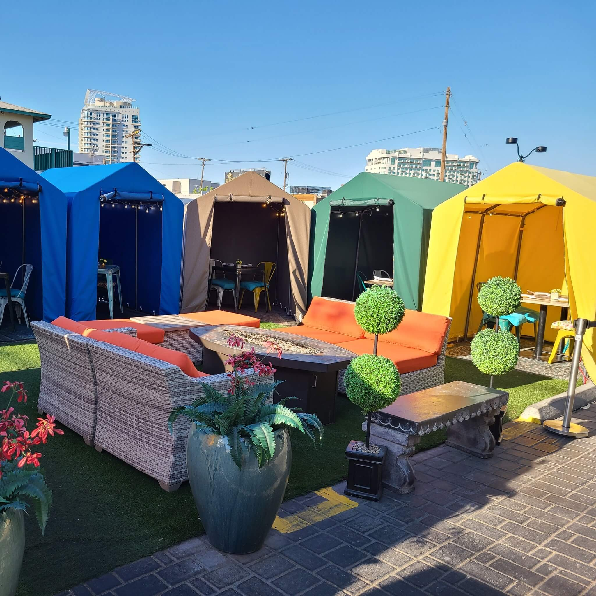 dining pop-up tents